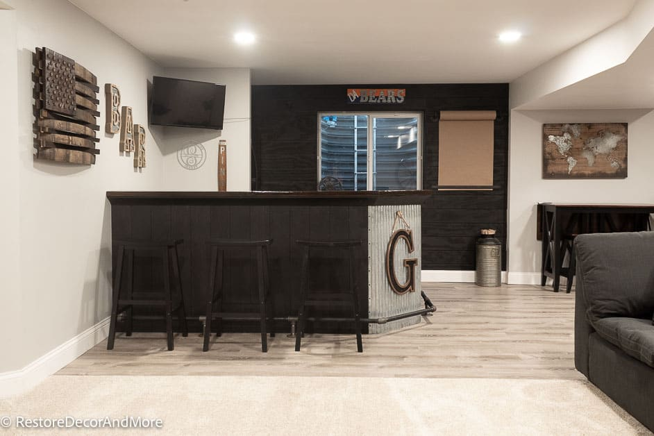Finished Basement Dry bar with decor