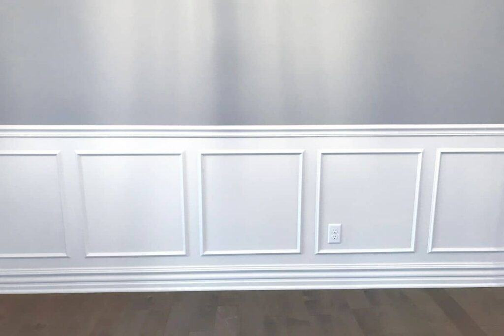 DIY PROJECT, White wainscoting large squares grey painted wall above
