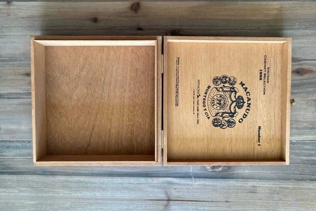 Empty cigar box for diy dice tray