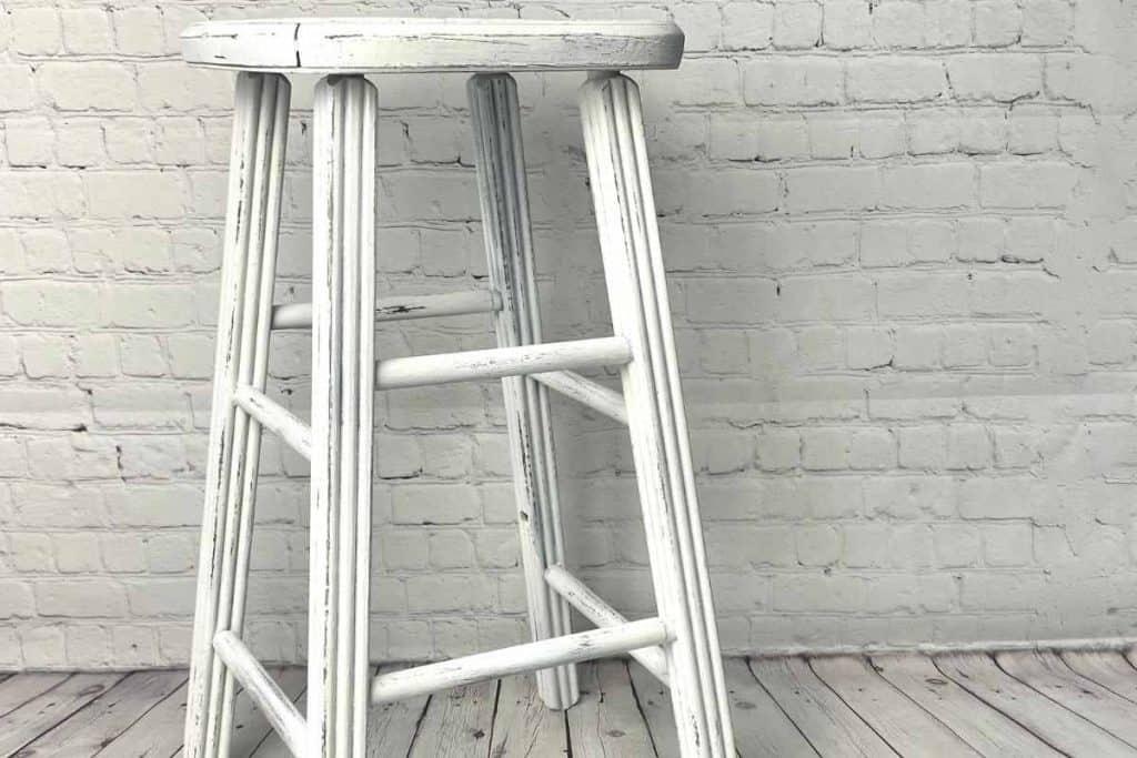 thrift store DIYS Old stool makeover