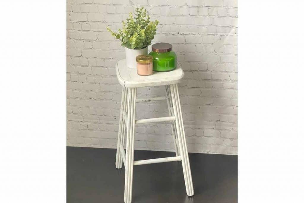 farmhouse stool makeover white