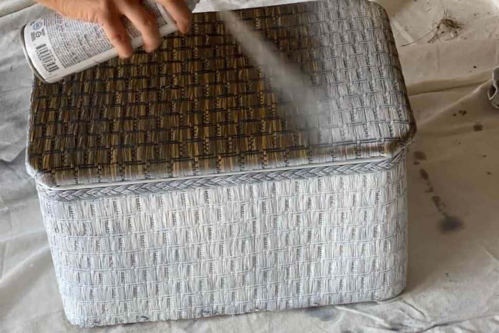 spray paint sewing box