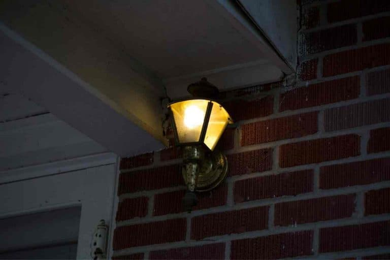Blinking Porch Light Meaning – 4 Reasons